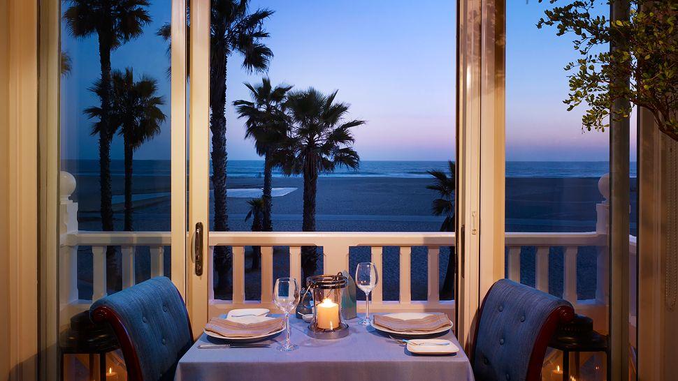001228-05-One_Pico-Table-Window-Night