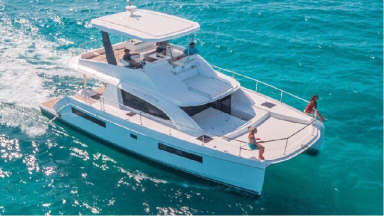 遊艇出租-雙體遊艇1